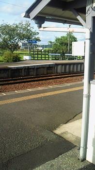 横田駅2.jpg